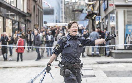 polisen-attacken-04